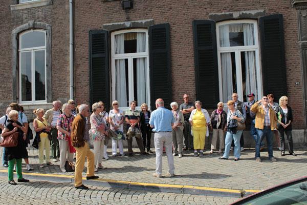 ... interessierte und auch begeisterte Troisdorfer bei der Stadtführung in Maastricht