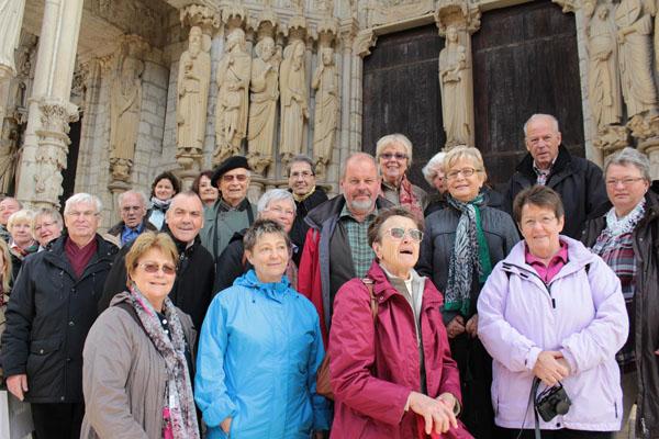 Vor der Kathedrale in Chartres