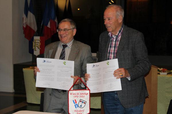 Nach Unterzeichnung der Resolution